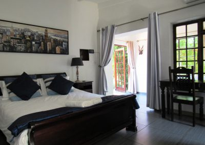 Boabab-Bedroom-4-house-on-york-bed-breakfast