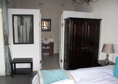 Fynbos-Bathroom-guest-house-house-on-york