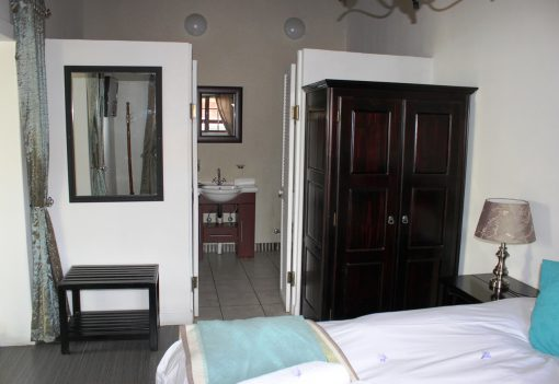 Fynbos-Bathroom-guest-house-house-on-york