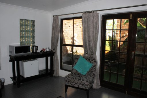 Fynbos-Lounge-2-guest-house-house-on-york