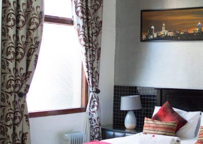 Jacanranda-bedroom-1-house-accommodation-house-on-york