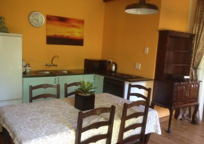 Jacanranda-kitchen-3-house-accommodation-house-on-york