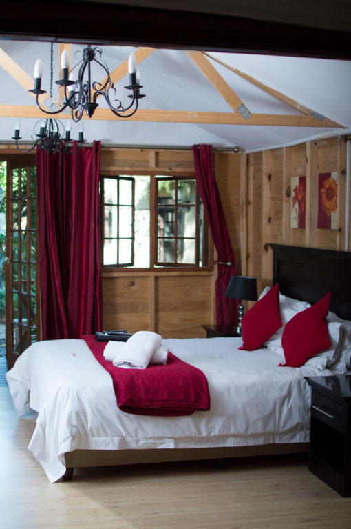Marula-bedroom-log-cabin-bed-and-breakfast-house-on-york