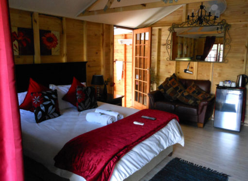 Marula-room-2-log-cabin-bed-and-breakfast-house-on-york