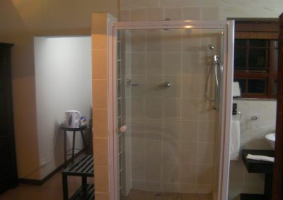 PROTEA-Shower-bed-breakfast-accommodation-house-on-york