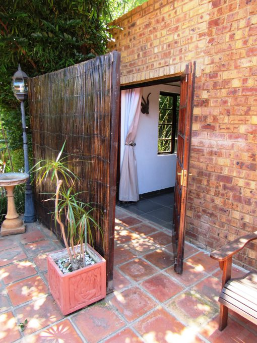 boabab-Entrance-house-on-york-bed-breakfast