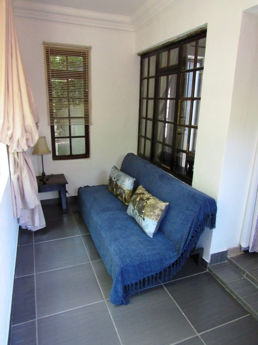 boabab-Sleeper-couch-house-on-york-bed-breakfast
