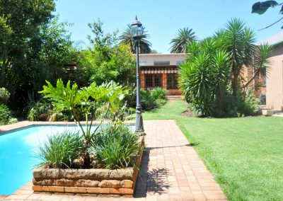 house-on-york-Garden-Main-pool-Back