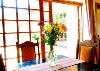 house-on-york-Kitchen-Flowers