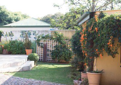 royal-oak-guest-house-Back-garden