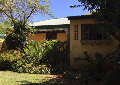 unit-2-royal-oak-cottage-exterior-room